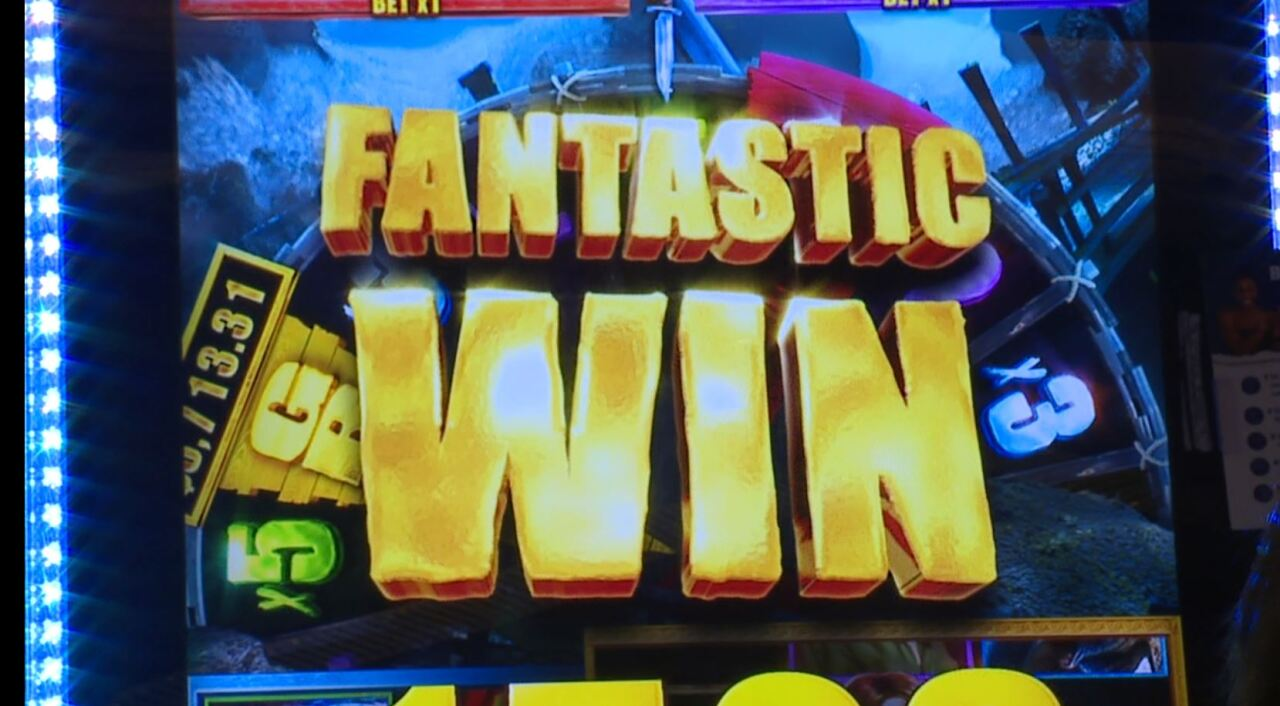 This photo shows the fantastic win message that the Kadish family got when Ethan won at slots.