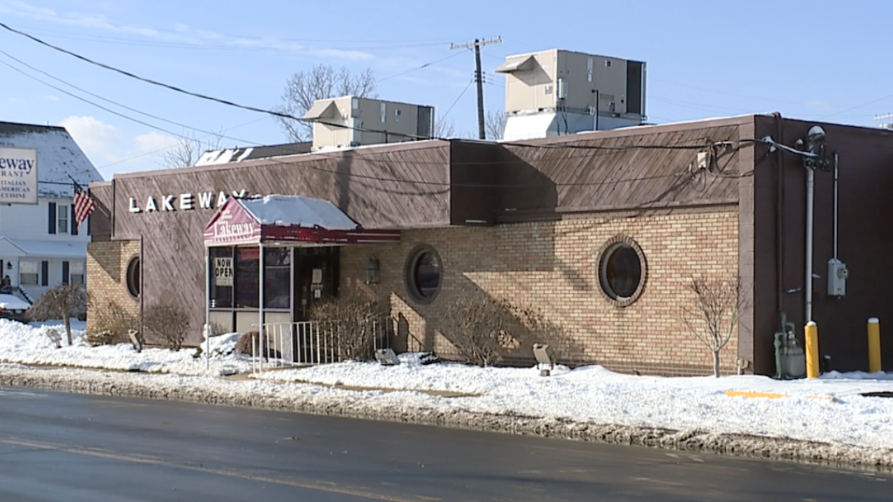 Decades-old Ashtabula eatery, Lakeway Restaurant, chosen to receive financial help from Barstool Fund