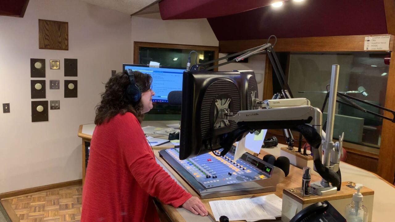 Maryanne at mic.JPG