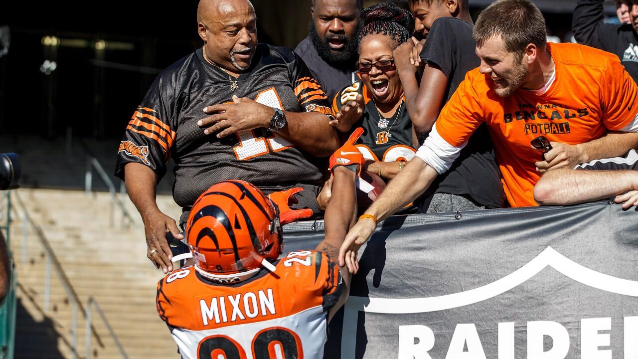 Cincinnati Bengals v Oakland Raiders