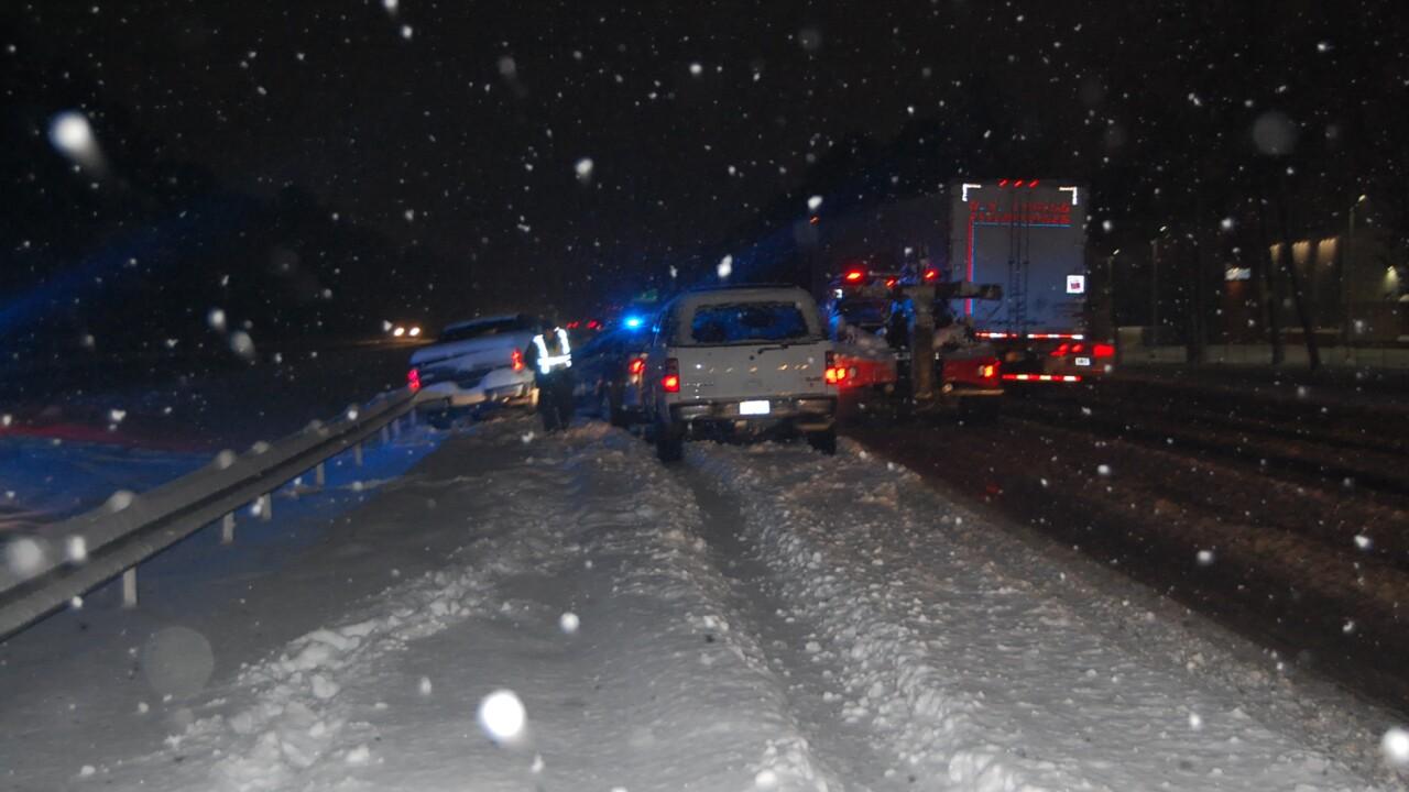 Trooper injured after driver rear-ends cruiser along I-95 inHanover