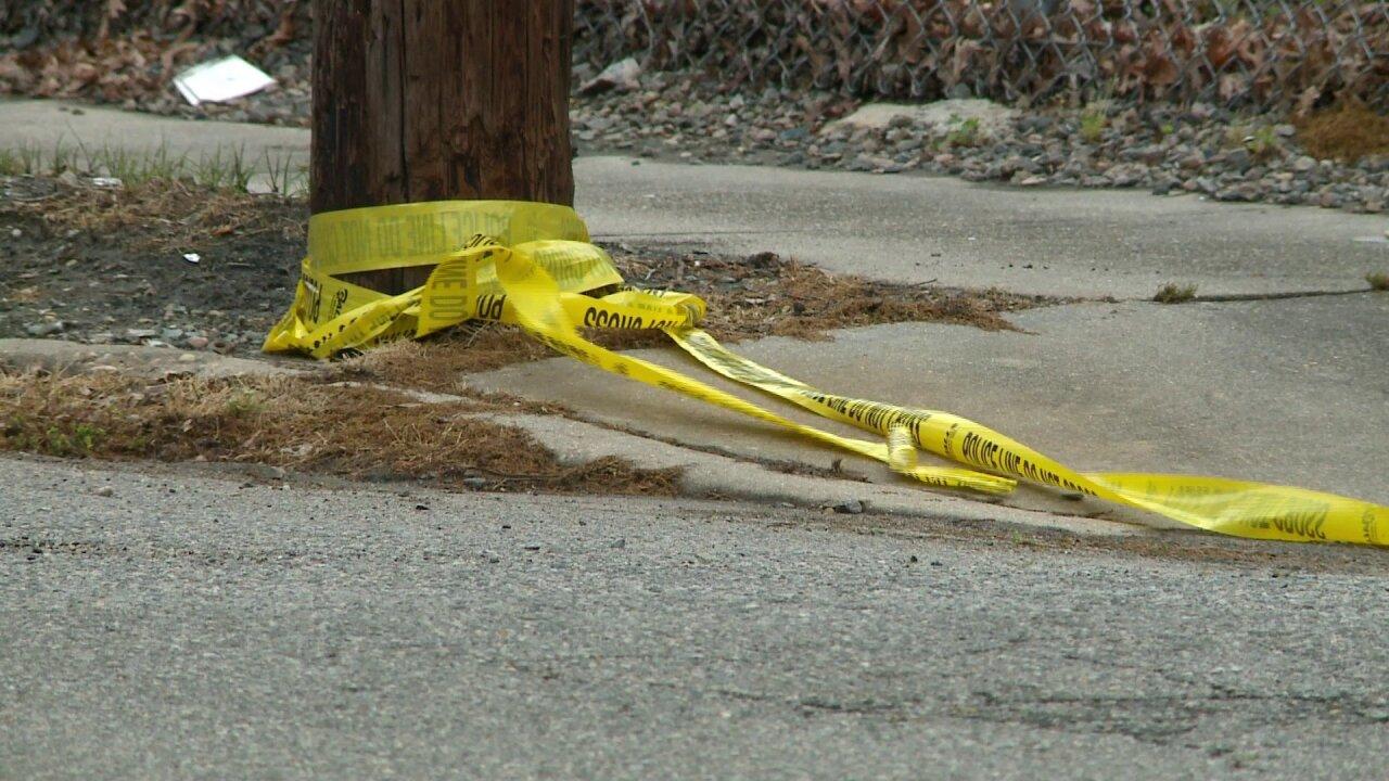 Man shot in Norfolk Harris Teeter parking lot while in parkedcar