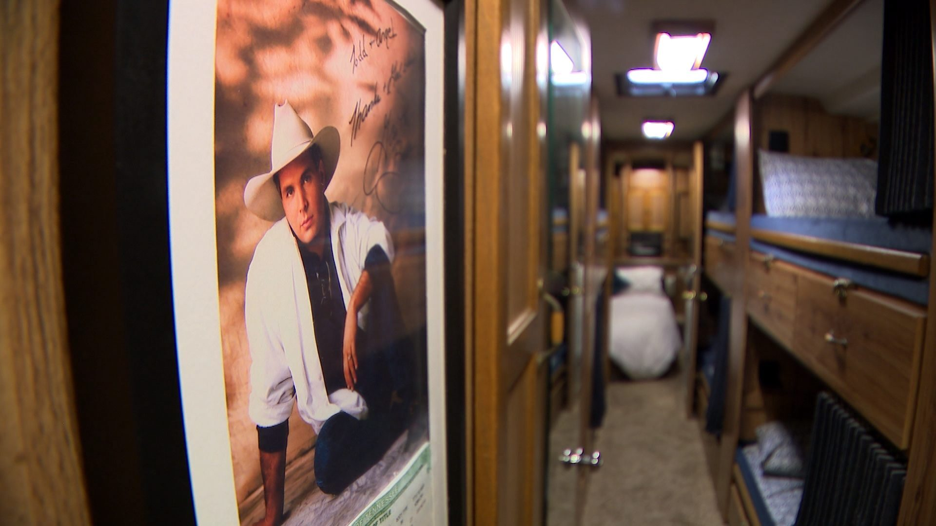 GARTH BROOKS TOUR BUS ITEMS 5.jpg