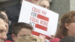 Lawmakers considering Equal Pay Act