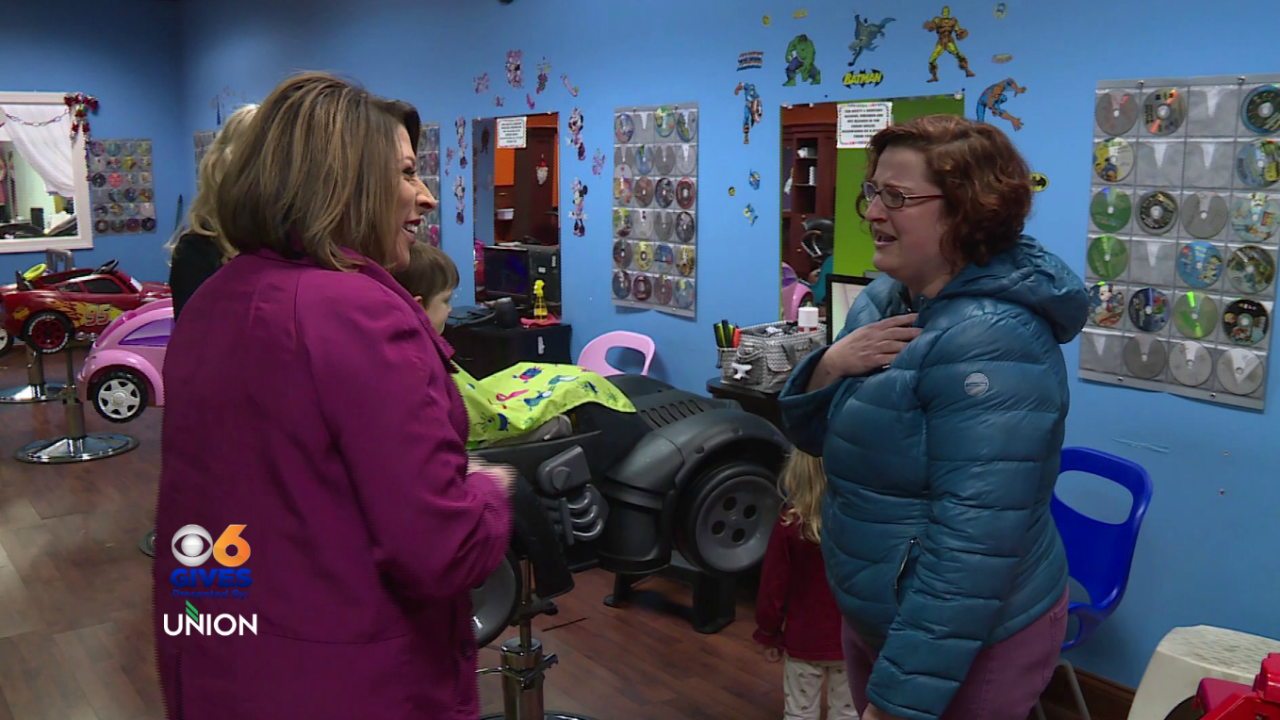 Julie Bragg surprises families with free kid's haircuts for theholidays