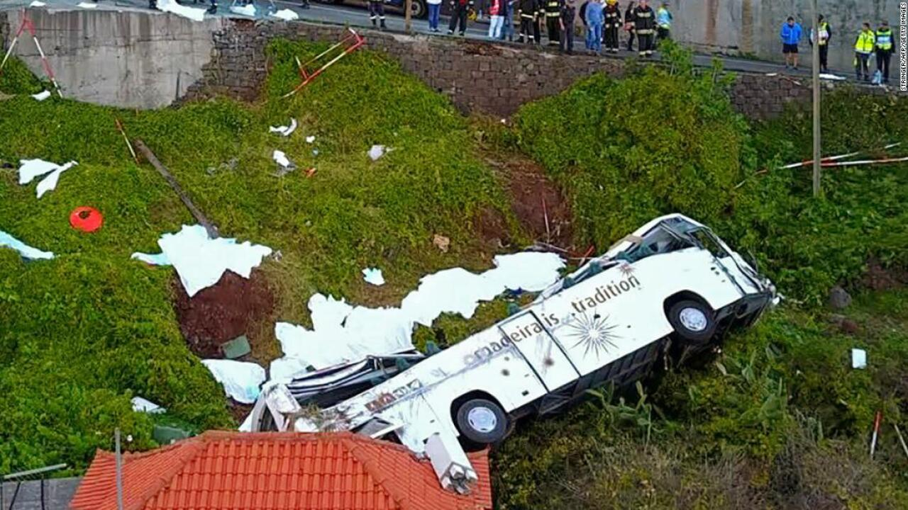 Tourist bus crashes killing at least 28 people