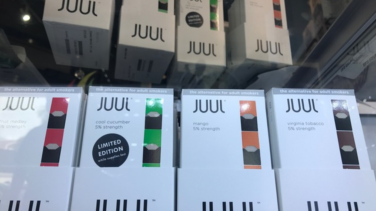 'JUUL' e-cigarette that looks like USB stick being found at Palm Beach County schools