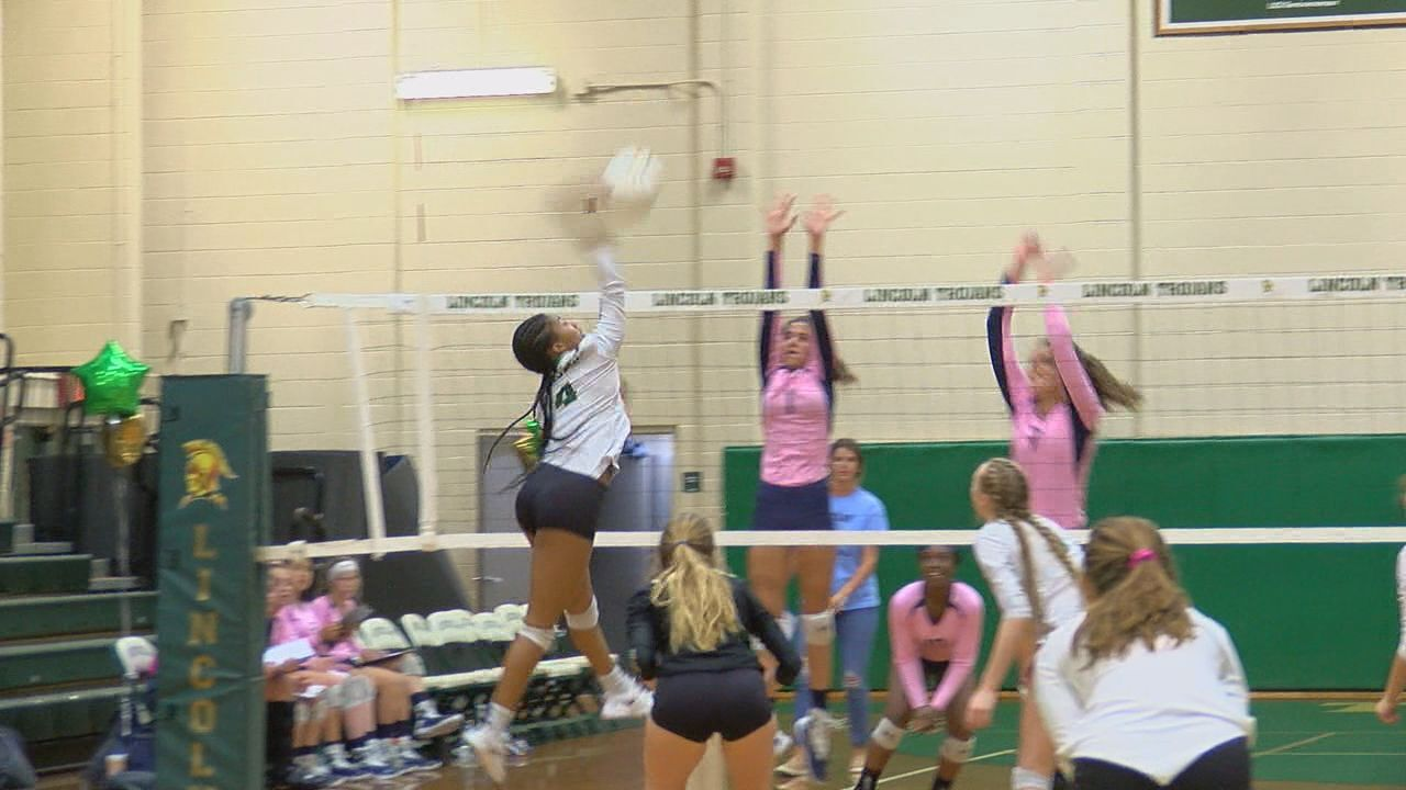 Lincoln tops Maclay on the volleyball court for senior night