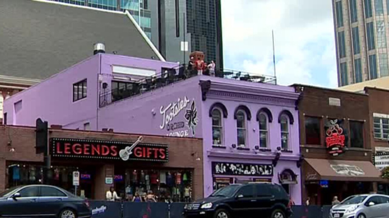 Lower Broadway Lacks Female Country Star Bars