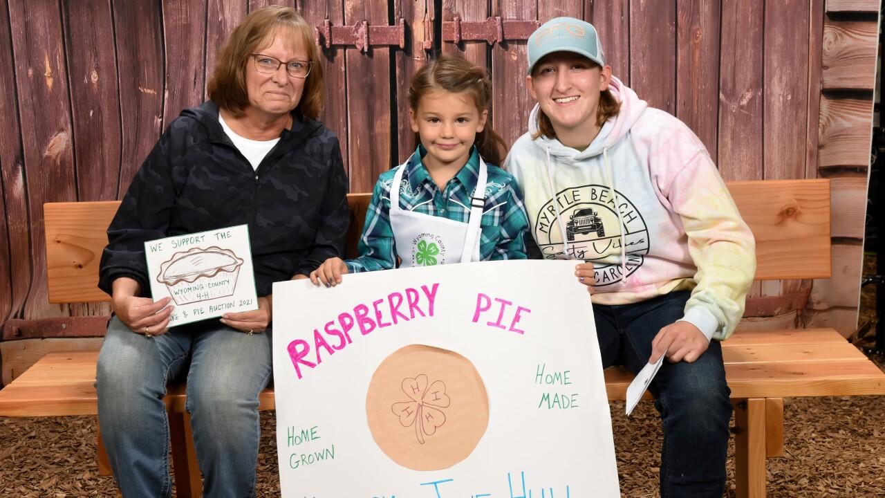 6-year-old Jane Hull sells $4,000 pie at Wyoming County Fair.jpg