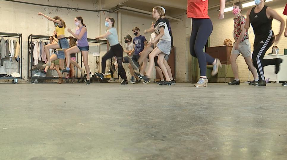 """Newsies"" cast rehearses inside Felsenhaus"
