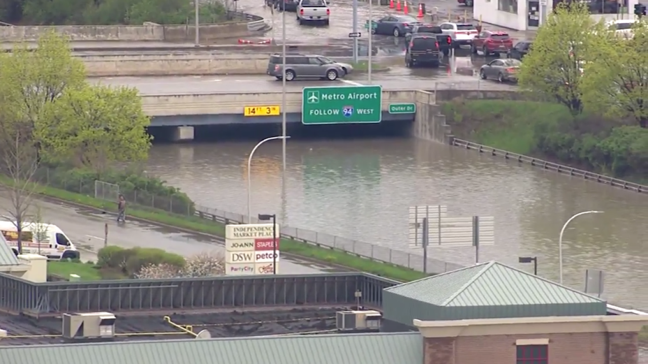 Massive flooding in Detroit submerges an entire highway