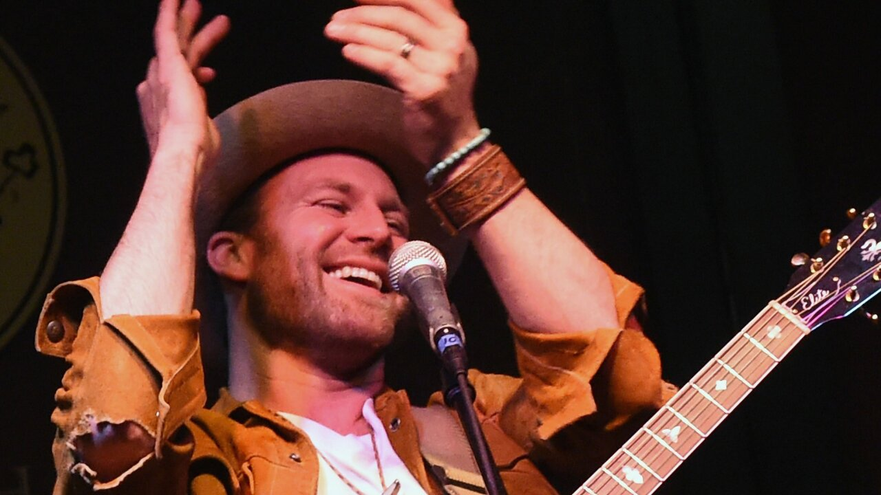Country singer rushed to Virginia hospital after almost collapsing onstage