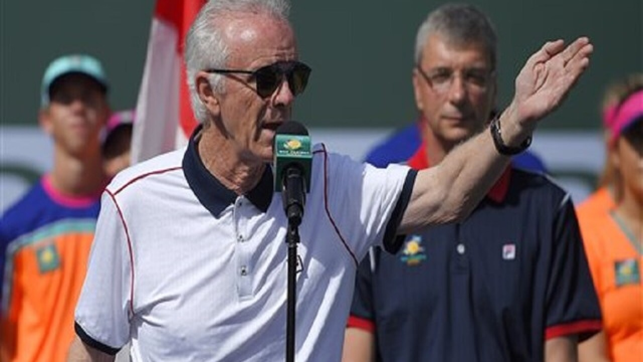 Tennis tourney director quits after criticizing