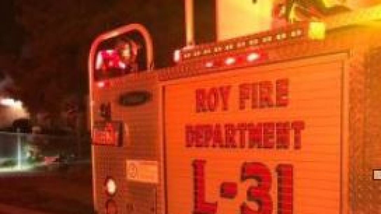 Family of four escapes early morning house fire in Roy