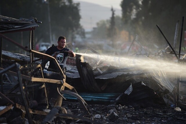 Blasts wipe out busy firework market in Mexico