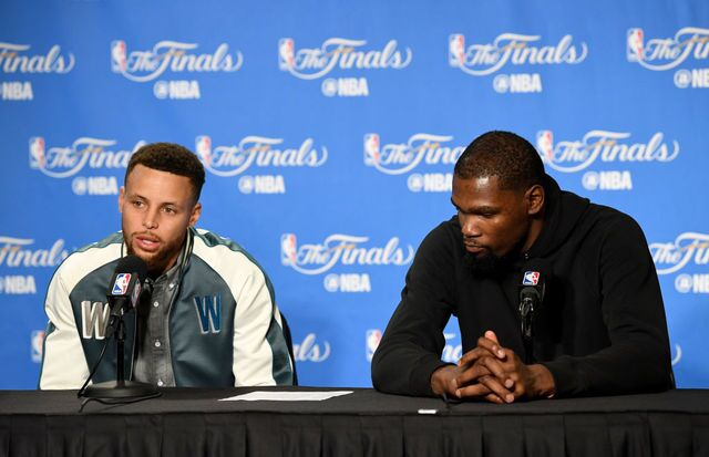 NBA Finals: Curry, Durant power Warriors past Cavs in Game 1, 113-91