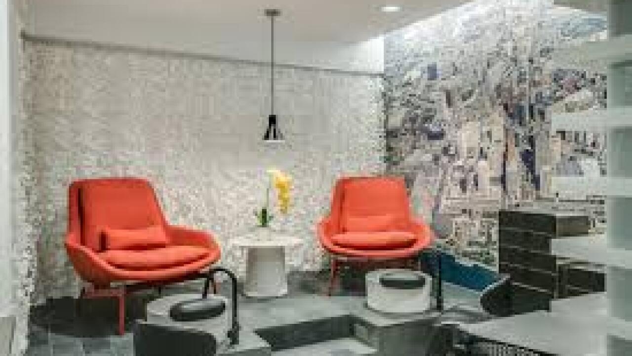 6 Salon2.jpg