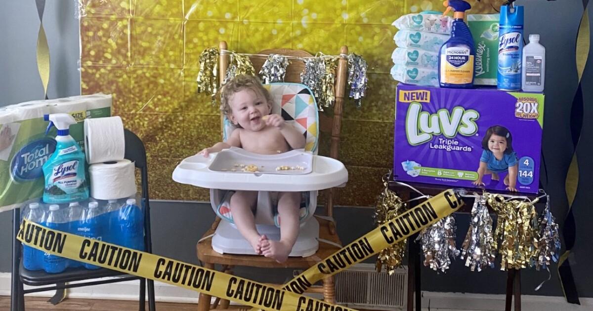 Metro Detroit Family Celebrates Son S Quarantine 1st Birthday
