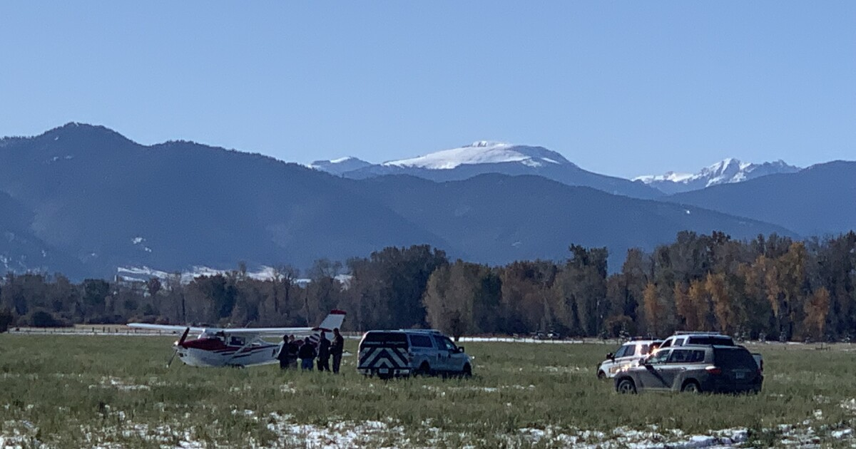Airplane reports trouble, lands in Gallatin County field
