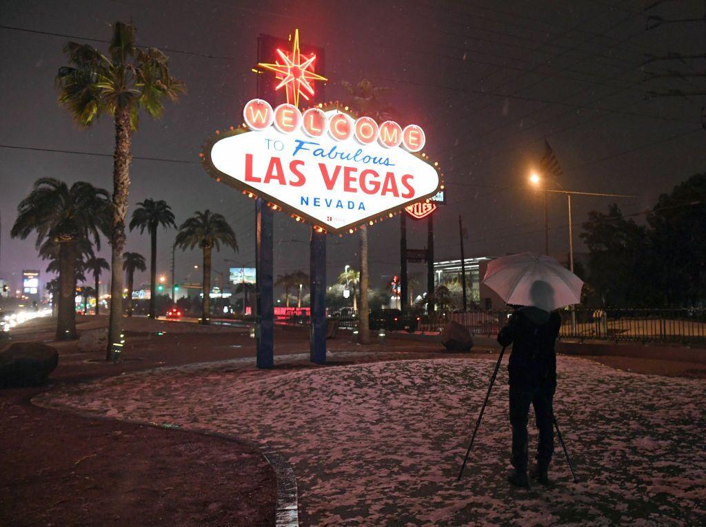 Snow in Las Vegas: Sin City sees rare accumulation