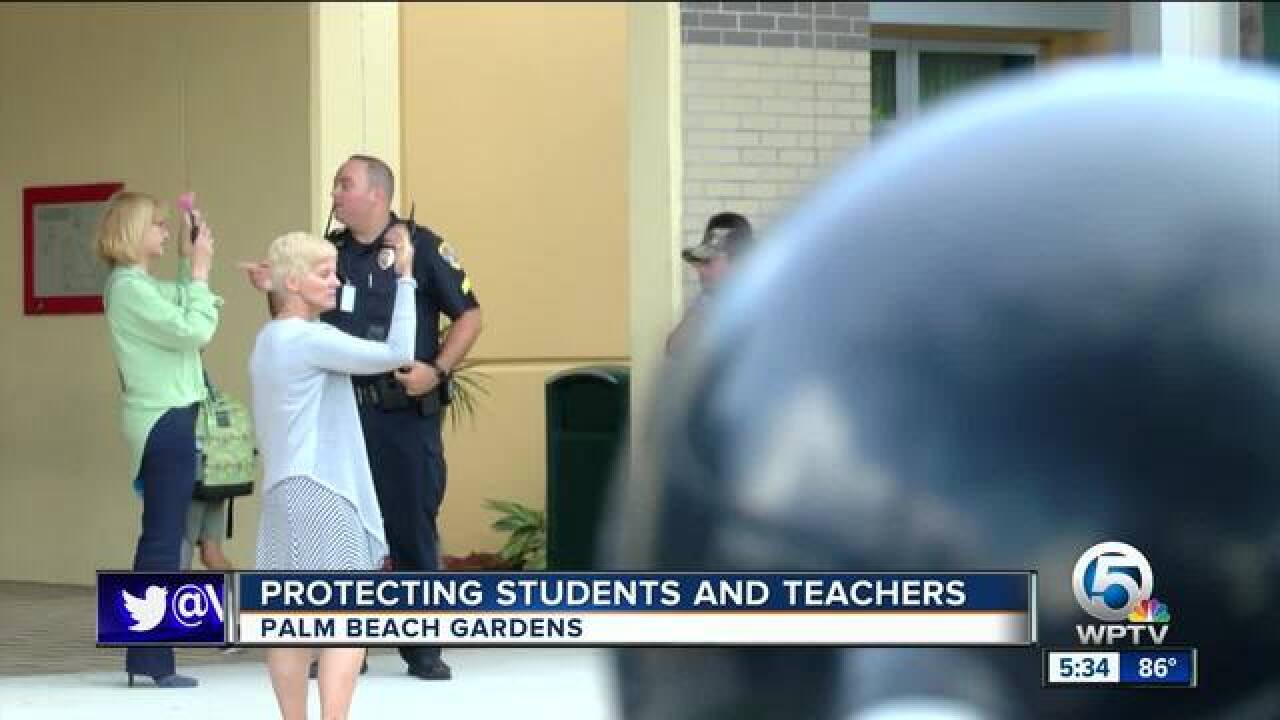 Police forming bonds with students at palm beach gardens - Palm beach gardens elementary school ...