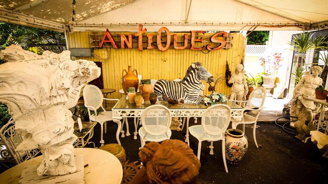 Antqiue Row