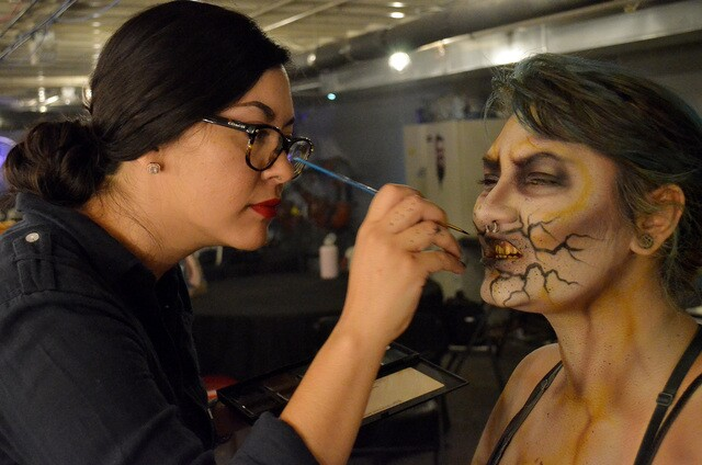 Photo gallery: 13th Floor Haunted House scare actress gets ready for night of fright