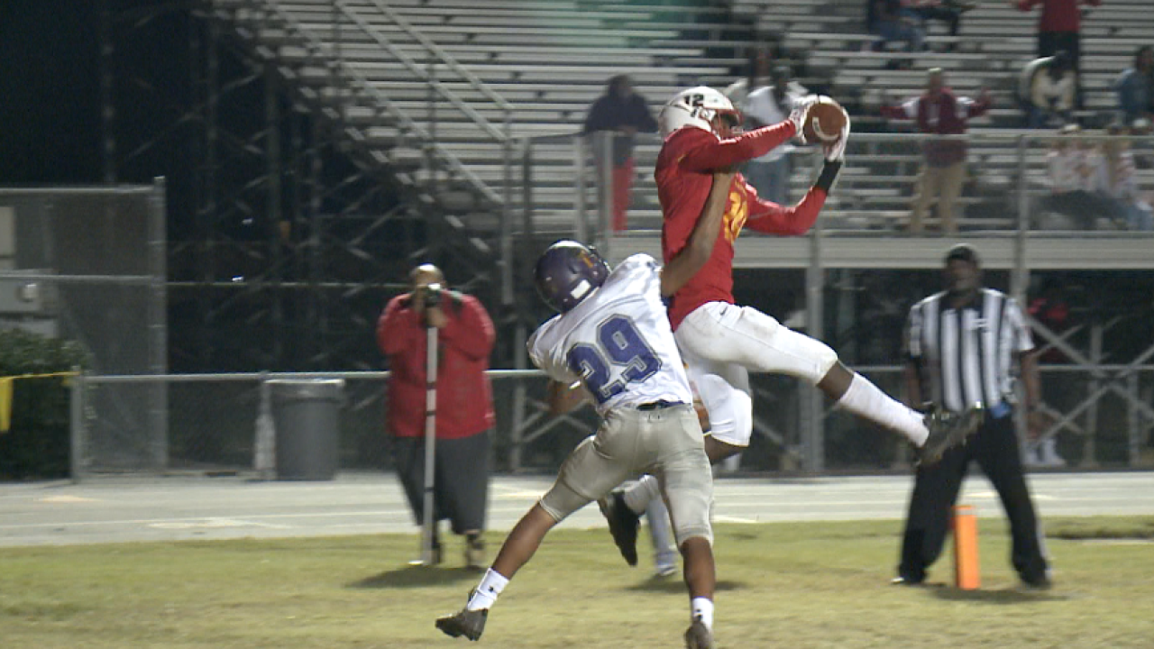 757 Showdown: Bayside's late touchdown lifts Marlins to 13-6 win, clinch playoffberth