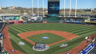Back in blue: KC celebrates Royals Home Opener