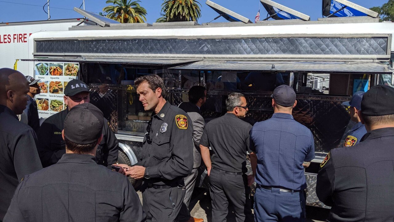 LeBron James sends taco truck to feed firefighters in LA