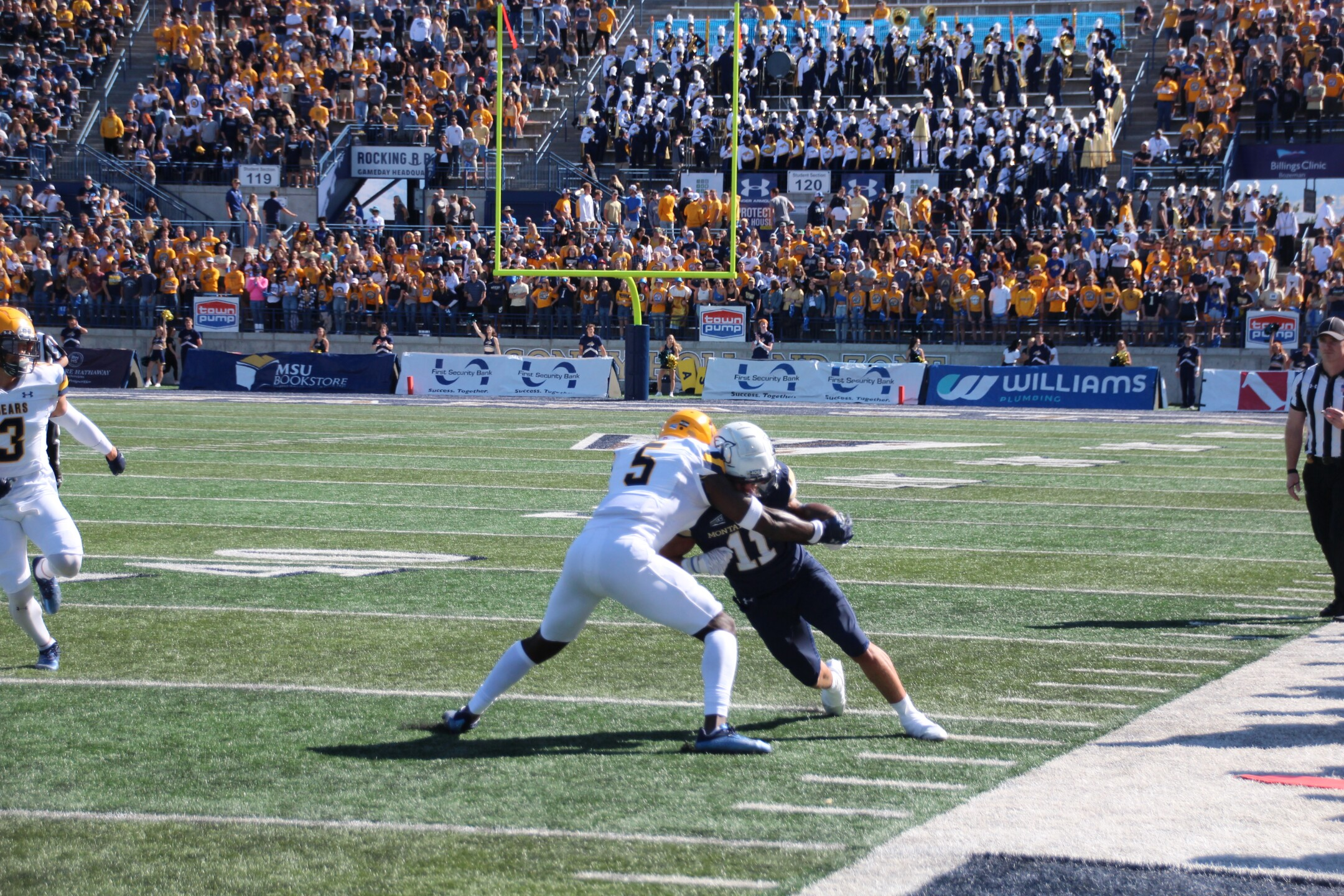 Willie Patterson runs for a first down