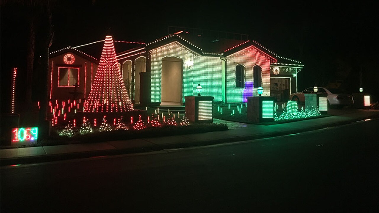 escondido_great_christmas_light_fight.jpg
