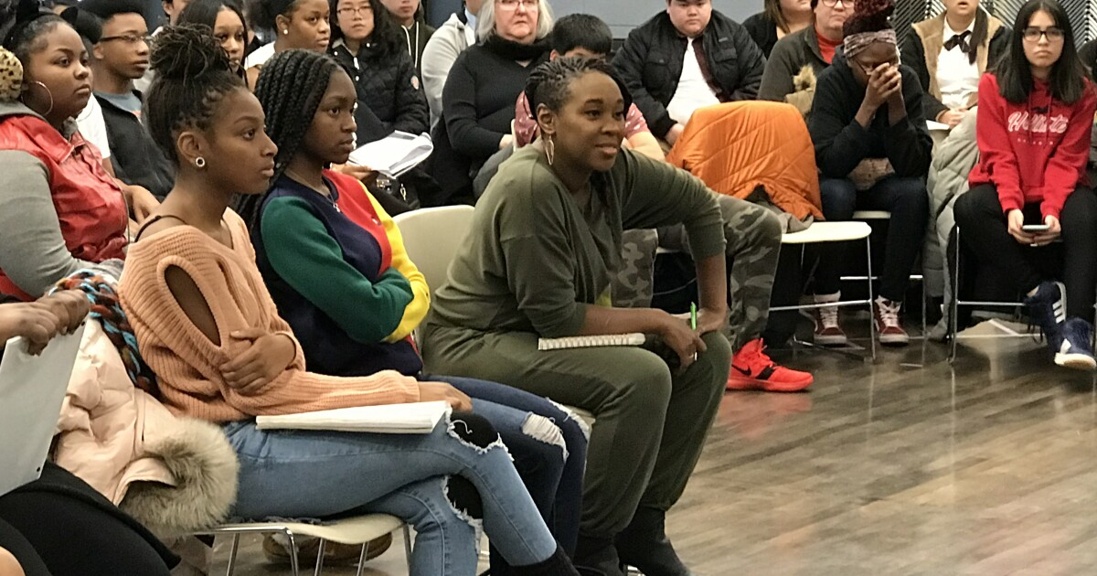 'Hamilton' actress hosts master class for high school theater students - WTMJ-TV