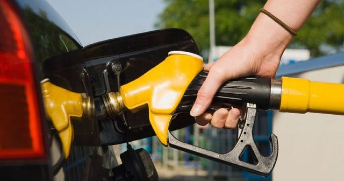 Gas prices down again in WNY, national average is the same