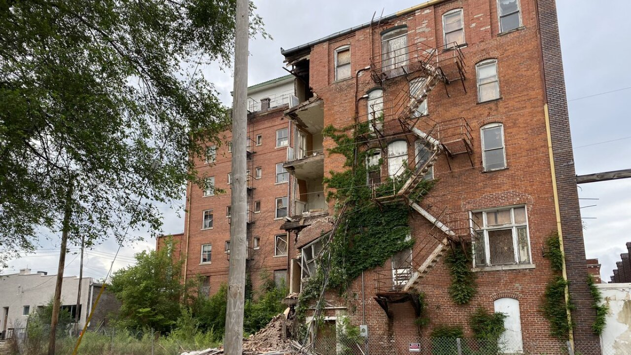 excelsior springs building collapse.jpg