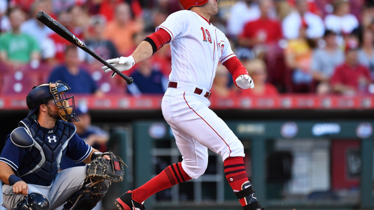 Votto extends hitting streak to 14, Reds beat Padres 8-3