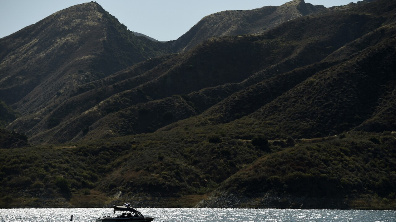 Search of California lake resumes for missing 'Glee' star