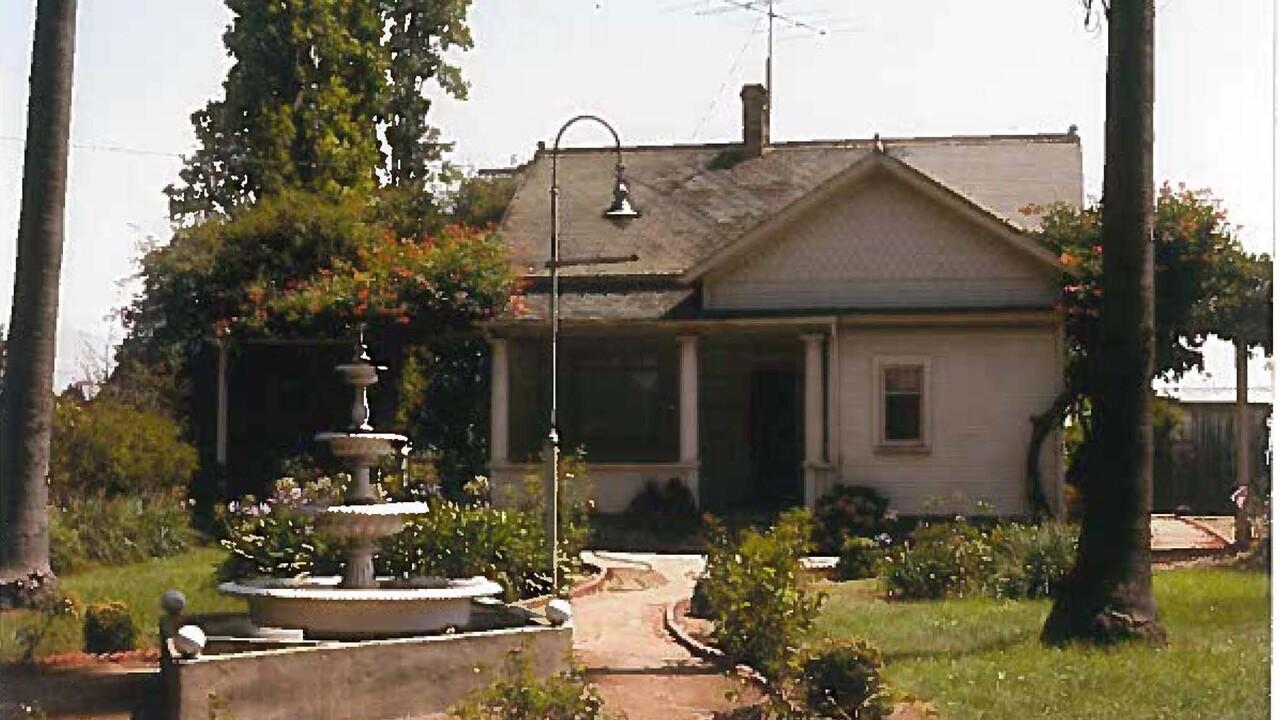 bonetti ranch farmhouse pre renovation.jpg