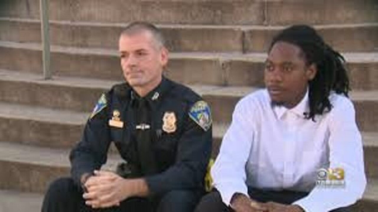 Police officer forms friendship with teen after responding to distress call