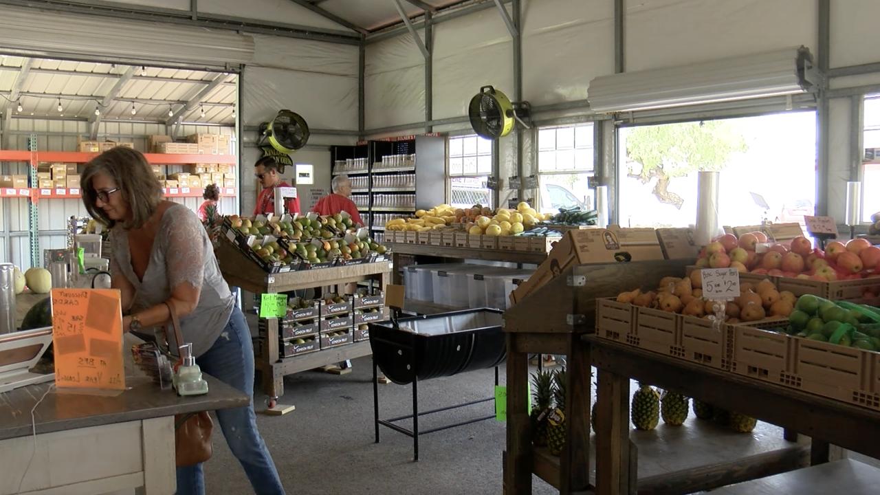 Bluntzer Fruit Stand