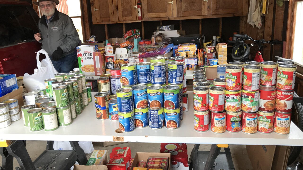 WMU professor, faculty and community members collecting food for students stuck on campus