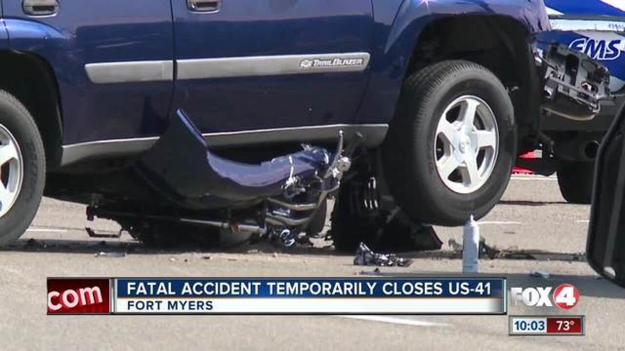 Crash leaves motorcyclist dead in Fort Myers