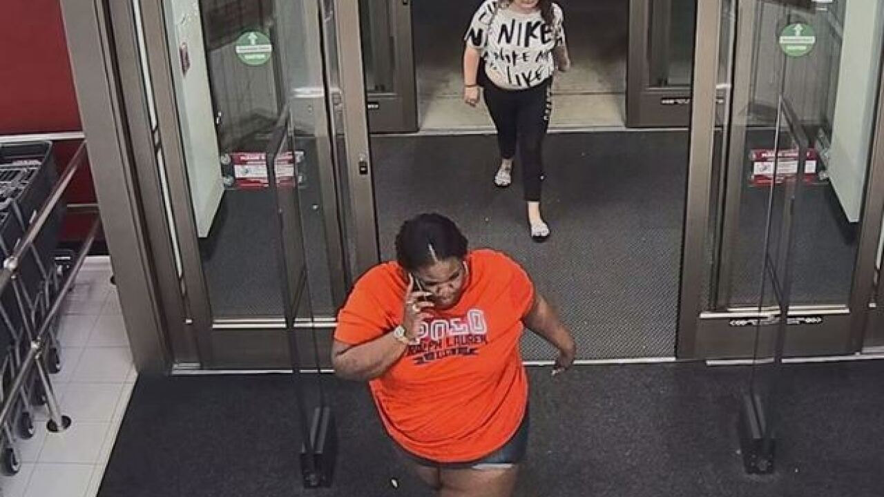 Two suspects sought in Cape Coral retail theft