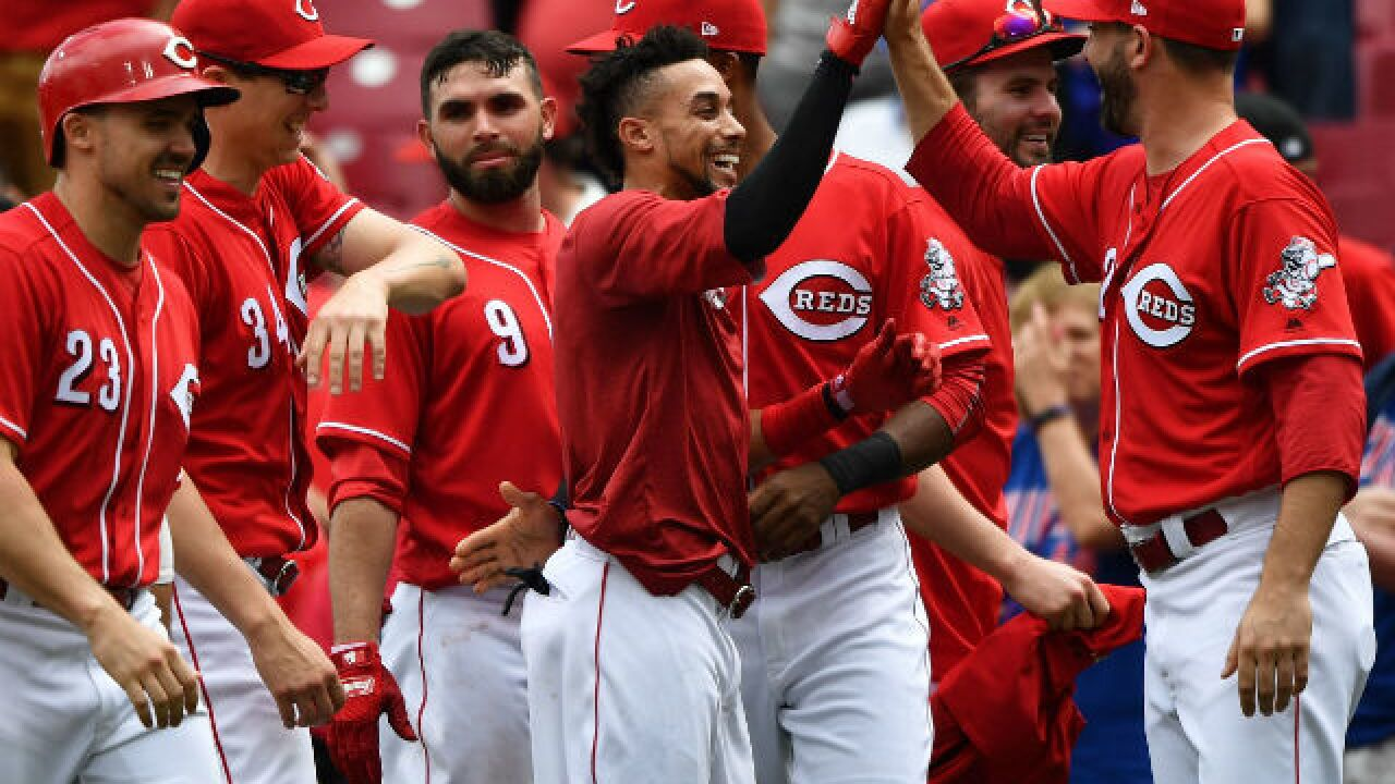 Billy Hamilton's bases-loaded walk lifts Reds over Cubs in 11