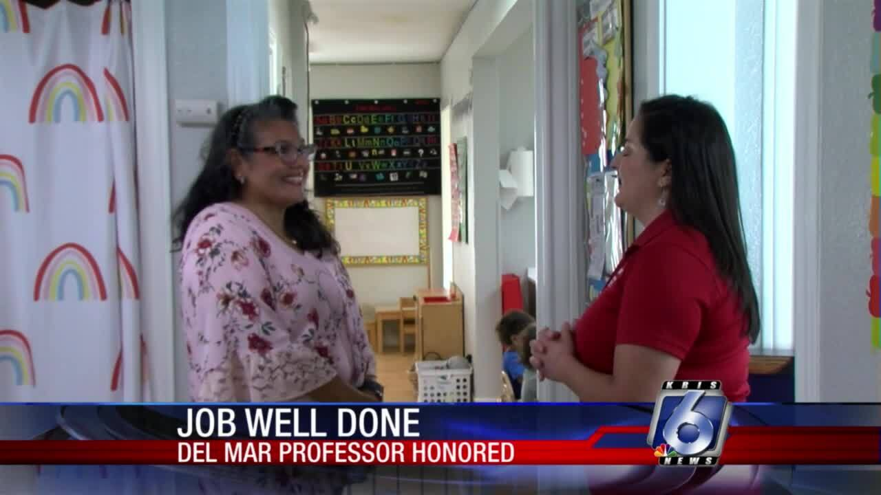 Benita Flores-Munoz earns Del Mar College teaching honor