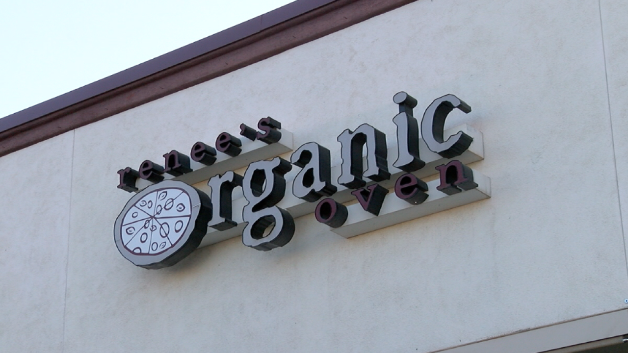Renee's Organic Oven sign