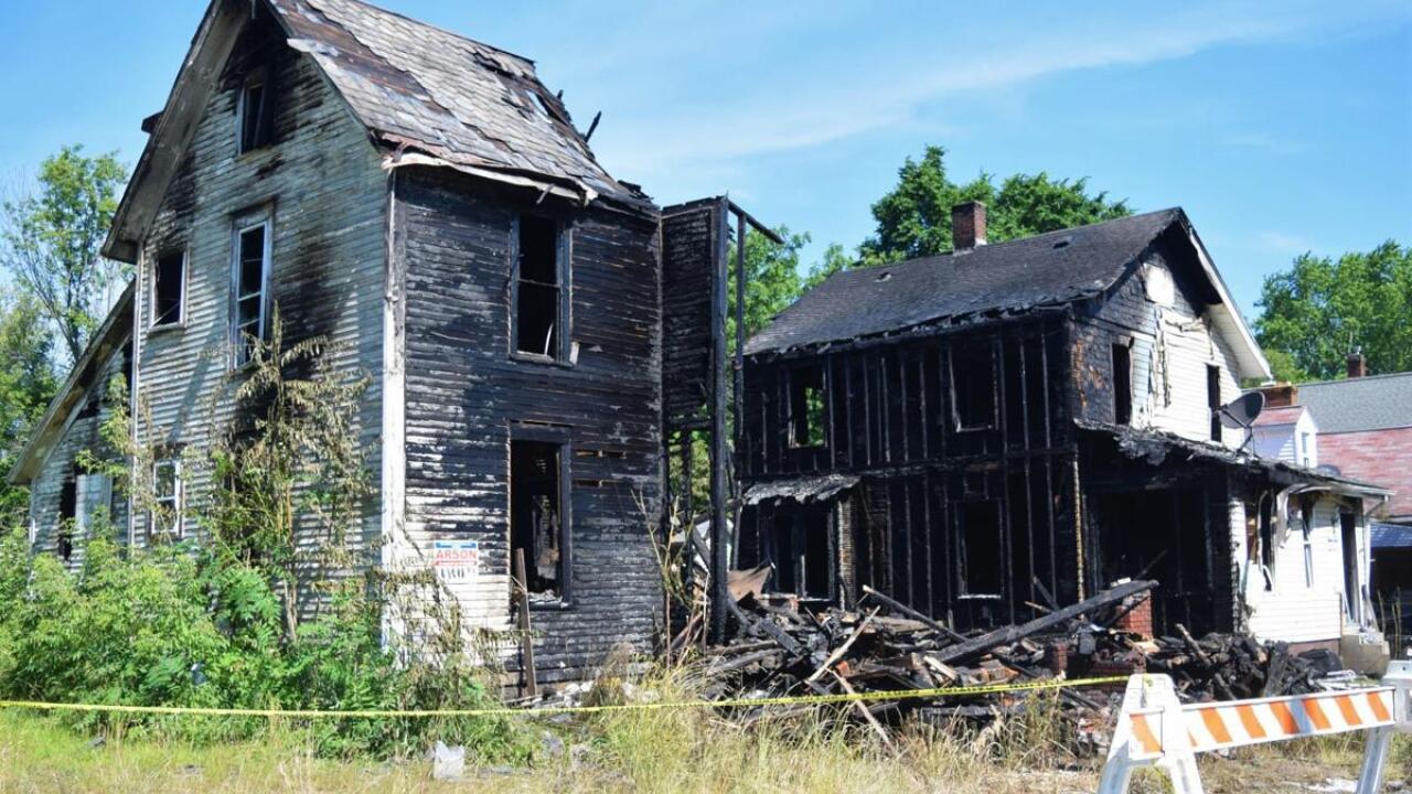 Apparent arson fire in Mansfield
