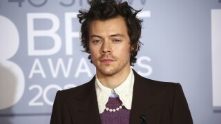 Singer Harry Styles robbed at knifepoint in London last week