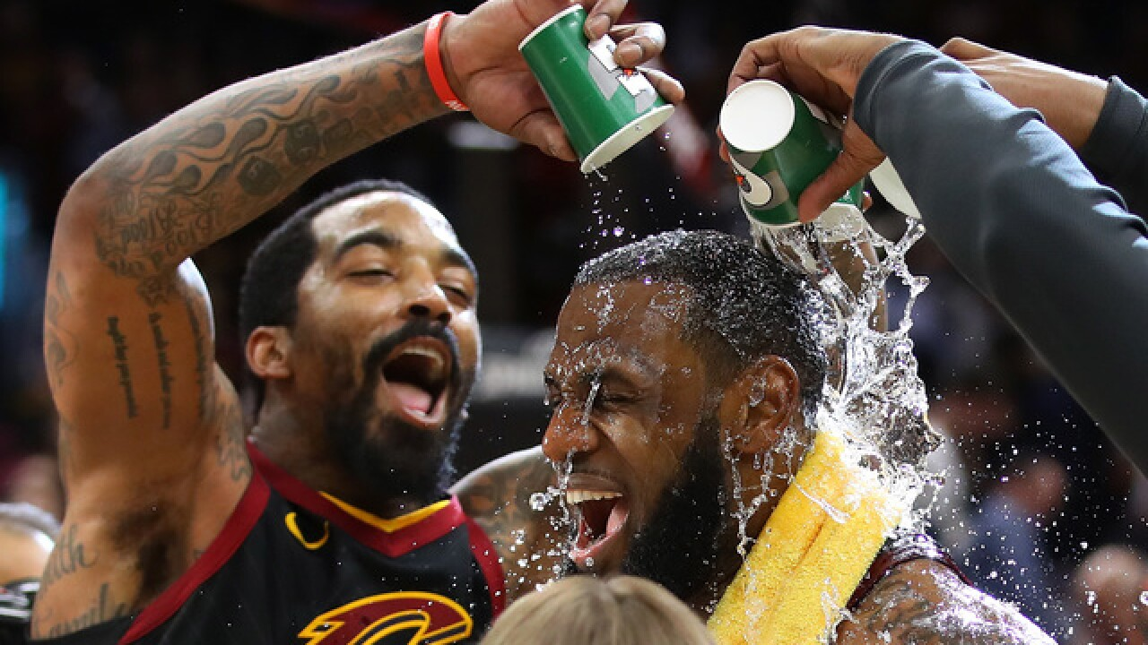 LeBron's 3-pointer gives Cleveland 98-95 win